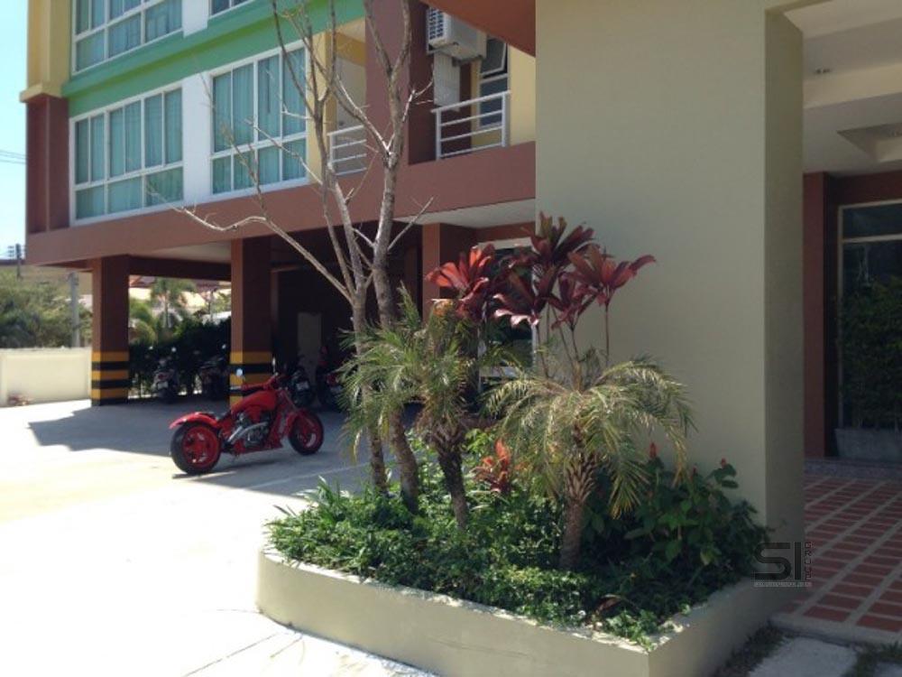 Продается квартира в кондоминиуме в районе Чалонг. Четвертый этаж семиэтажного здания. Год постройки 2011. Квартира новая, никто не жил.