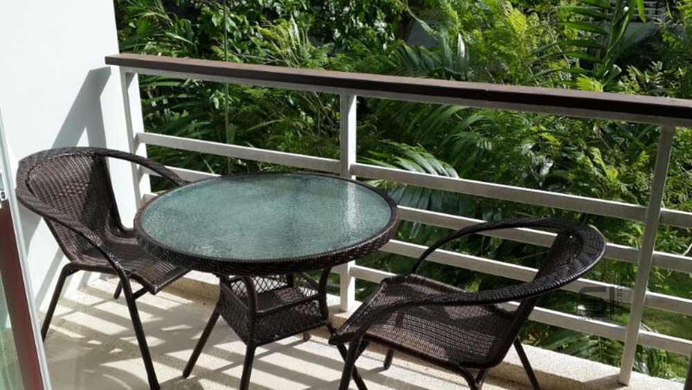 Vendere uno studio illuminato dal sole a Karon Hill