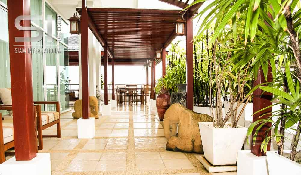 Selling posh penthouse luxury Karon Hill