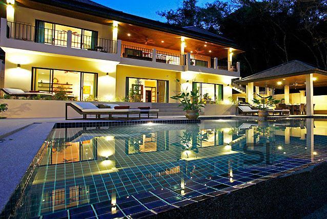 Villa, Phuket, Nai Harn. Le Ville