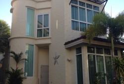 Vermietung einer Villa in Phuket, Nai Harn MedVilla